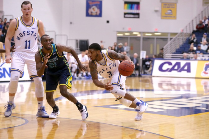 Hofstra MBB defeated UNCW 96-76.